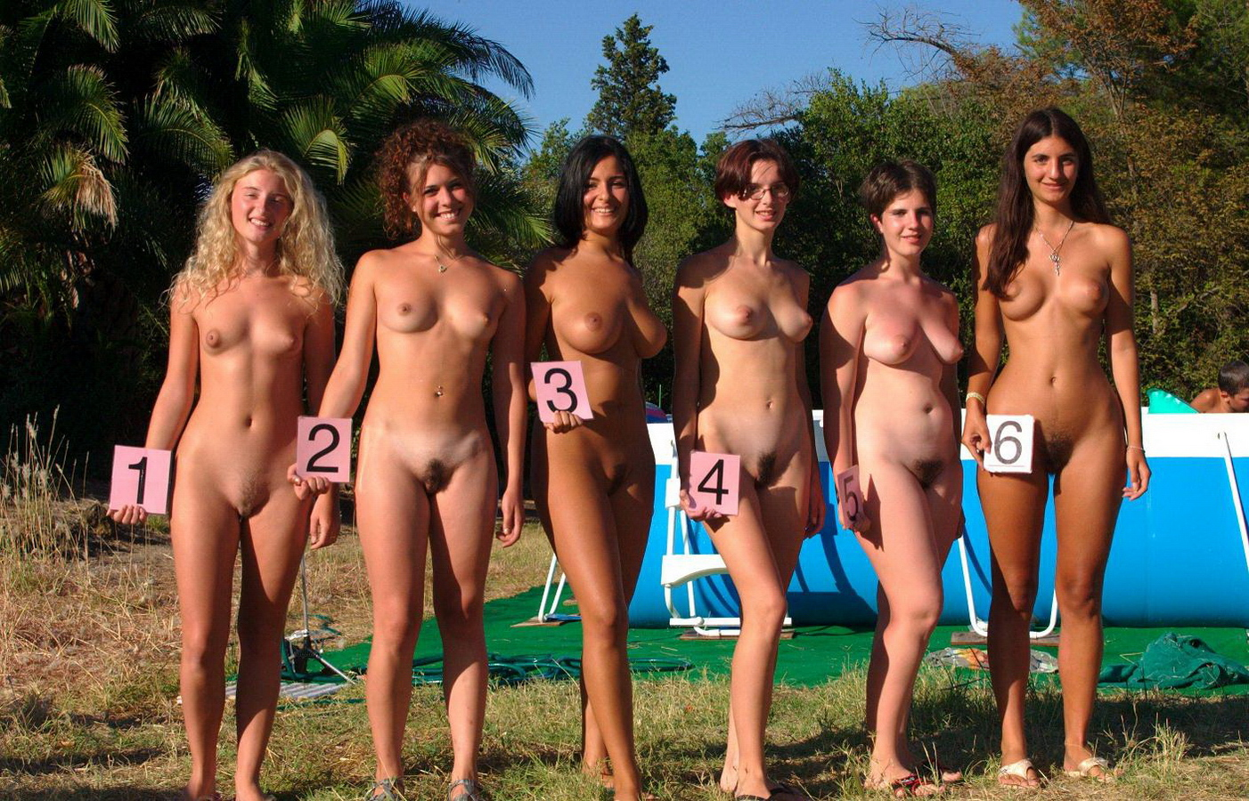 French  nudist family ... Nudiism.com - Nudists around the world